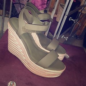 Kendall & Kylie Olive Green Wedges